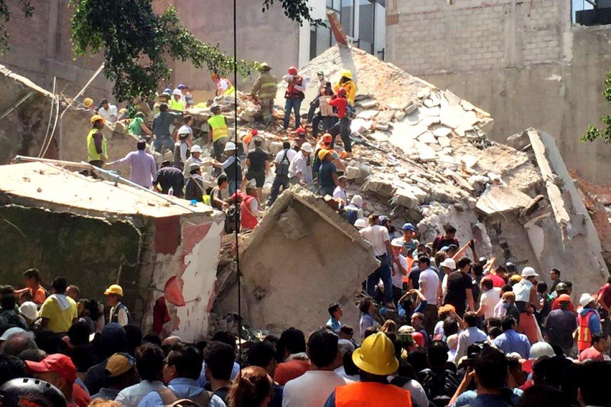 Un sismo de 7.1 grados –magnitud preliminar- azotó a la Ciudad de México a las 13:14 horas.