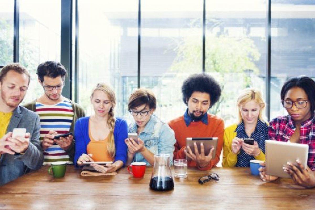 El principal motivo de renuncia de los millennials se debe a que buscan ganar más dinero.