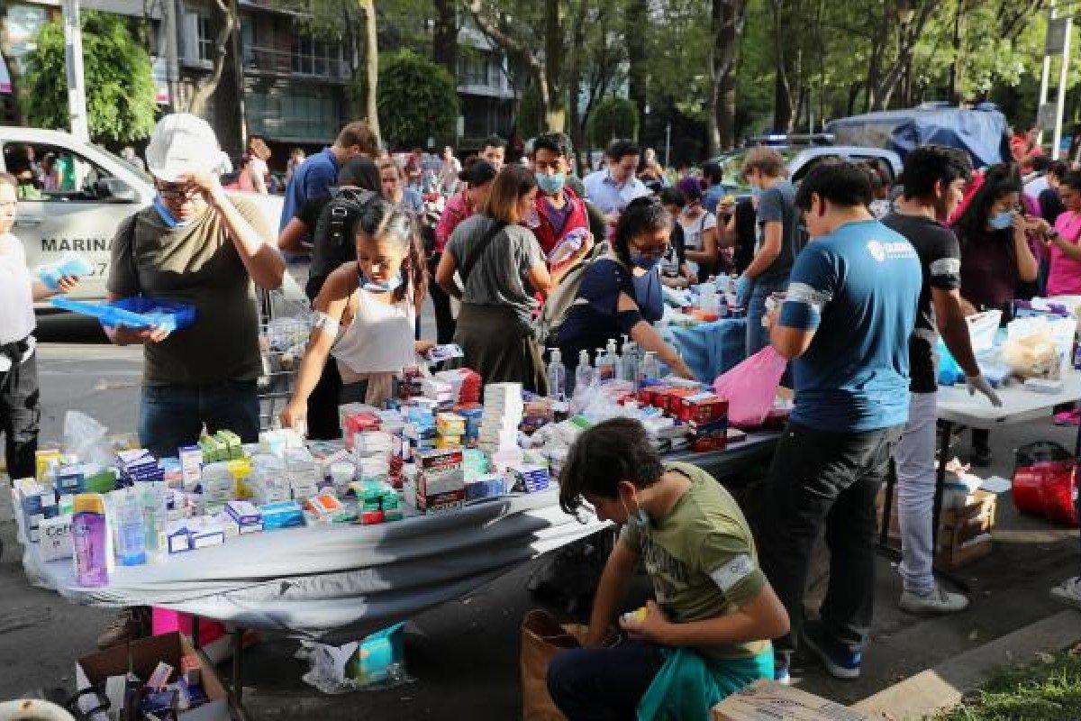 Tras el sismo del 19 de septiembre la sociedad civil se organizó para recolectar y donar víveres para los afectados.