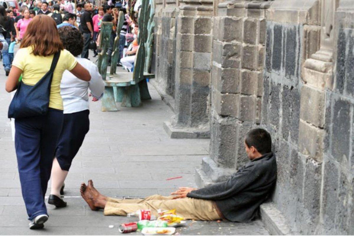 En la CDMX las cifras de pobreza se mantienen constantes, pero eso no sucede en los municipios conurbados.