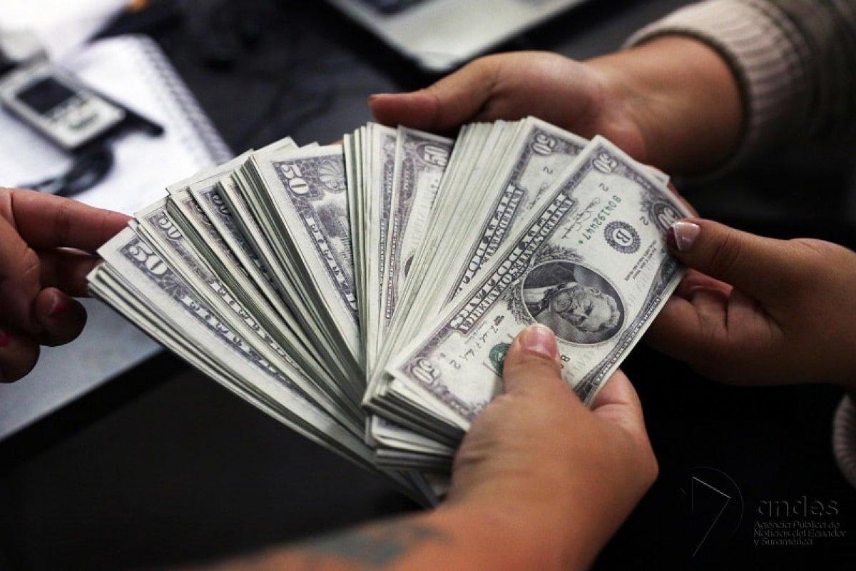 Desde 1994 el tipo de cambio en México es flotante, lo que quiere decir que no está fijo a un precio determinado por el gobierno.