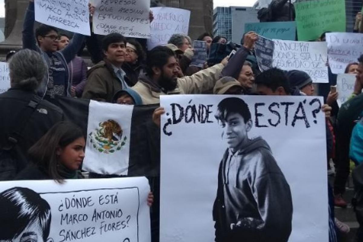 Estudiantes cerraron Prepa 8 por la desaparición de Marco Antonio. Foto: Instagram / sulemestrada