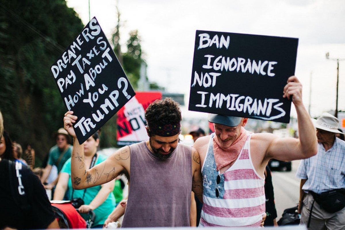Dreamers exigen un acuerdo migratorio que proteja sus derechos.