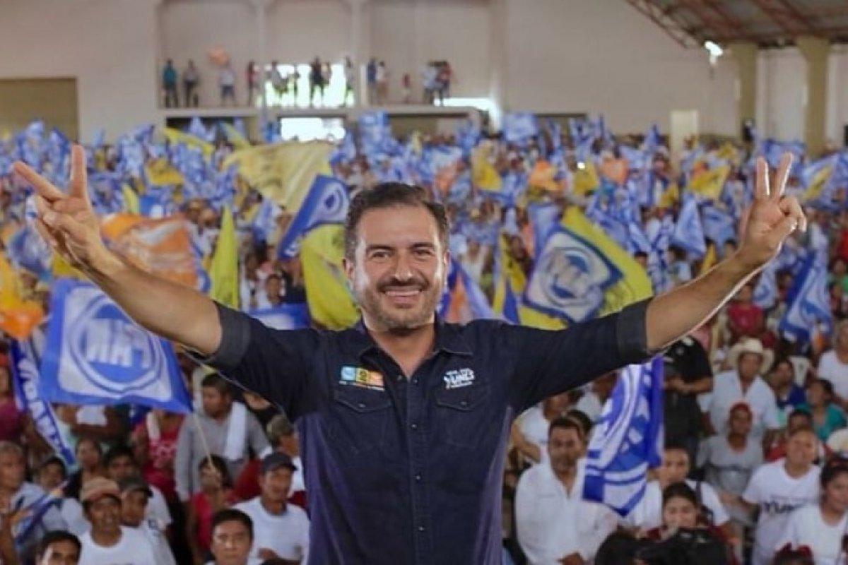 En un contexto de pobres resultados económicos, Yunes Linares y familia planean ´heredar´ el estado al hijo mayor, Yunes Márquez.