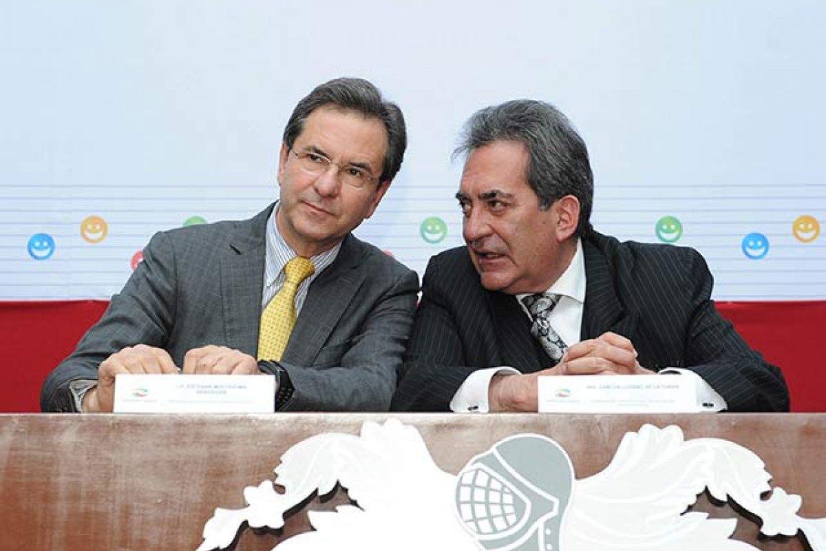 A pesar de sus diferencias, Moctezuma Barragán [izquierda] y la CNTE concuerdan en que hay aspectos de la Reforma Educativa que no funcionan (Foto: Gobierno de Aguascalientes)