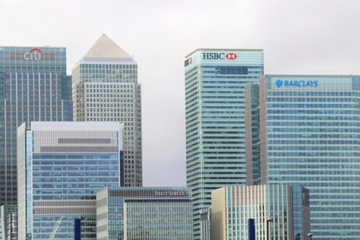 Una demanda en Estados Unidos acusa a nueve bancos por coludir y manipular el mercado de bonos de deuda del gobierno mexicano.